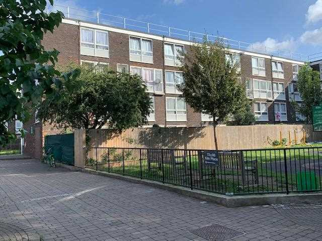 4 bed flat to rent in Kiln Place, London, NW5
