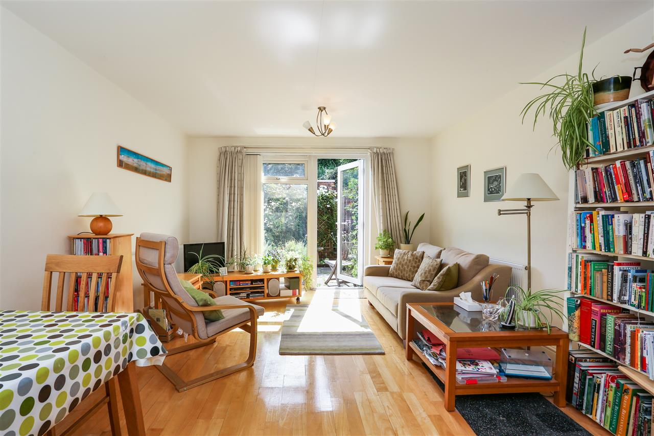 2 bed house for sale in Corinne Road, London, N19