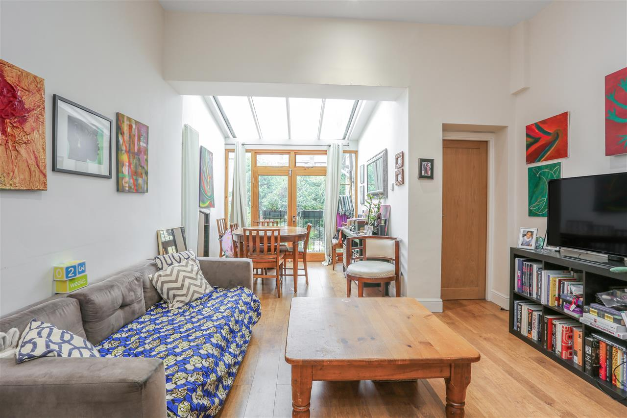 2 bed flat for sale in Tufnell Park Road, London, N7