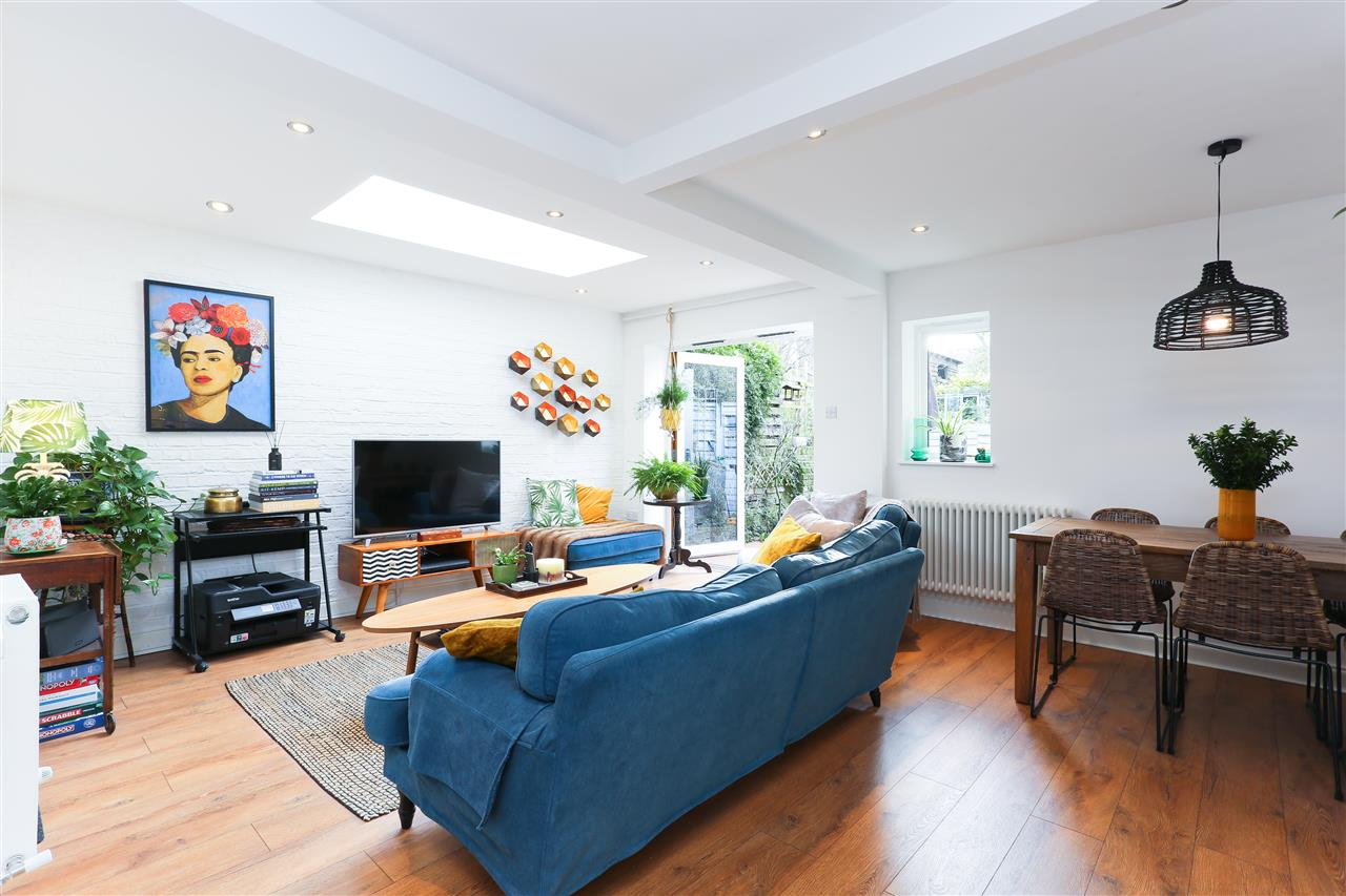 2 bed apartment for sale in Raveley Street, London, NW5