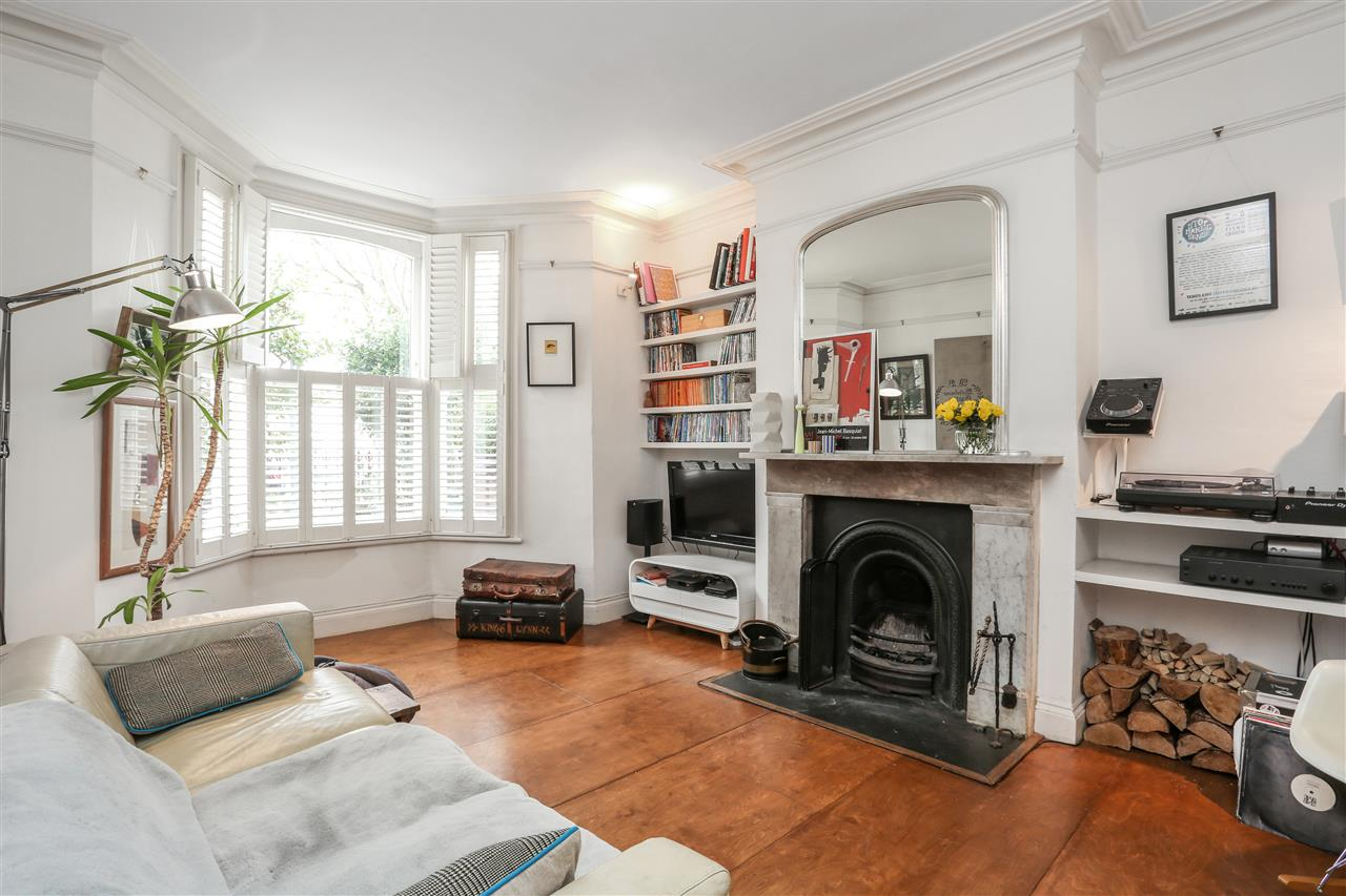 4 bed house for sale in Yerbury Road, London - Property Image 1