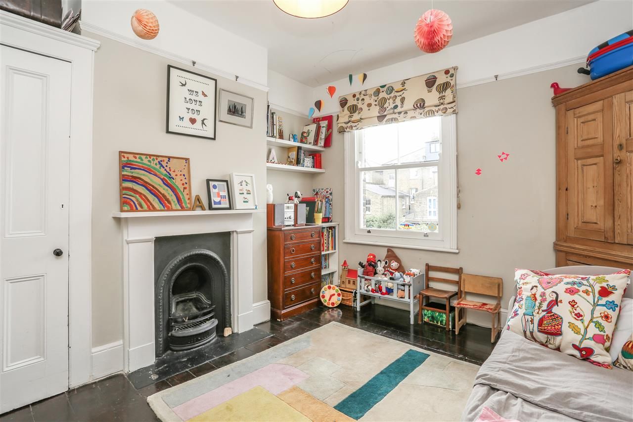 4 bed house for sale in Yerbury Road, London 13