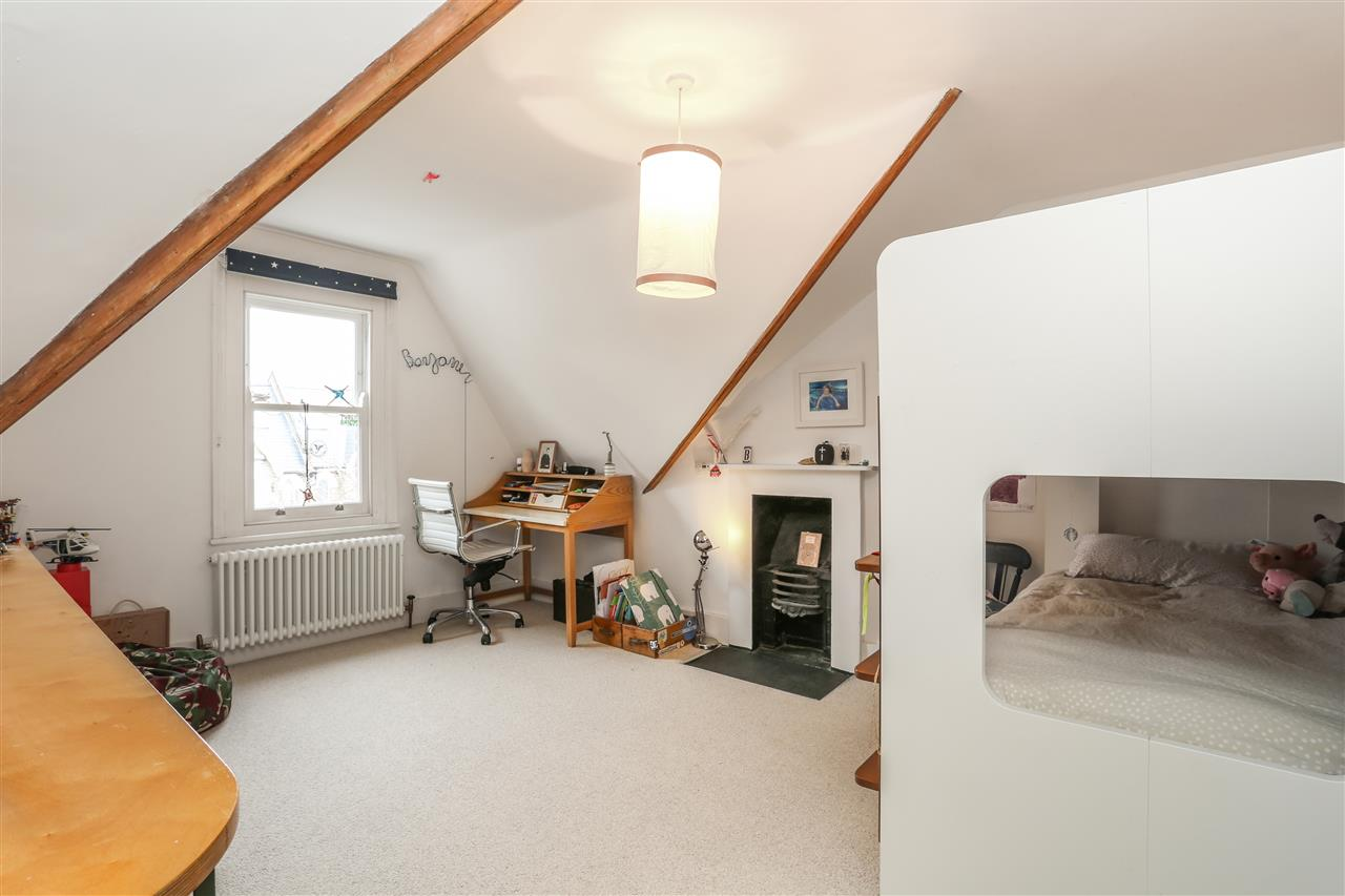4 bed house for sale in Yerbury Road, London 14