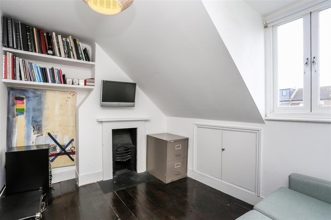 4 bed house for sale in Yerbury Road, London 16