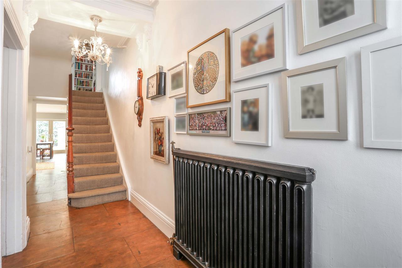4 bed house for sale in Yerbury Road, London 18