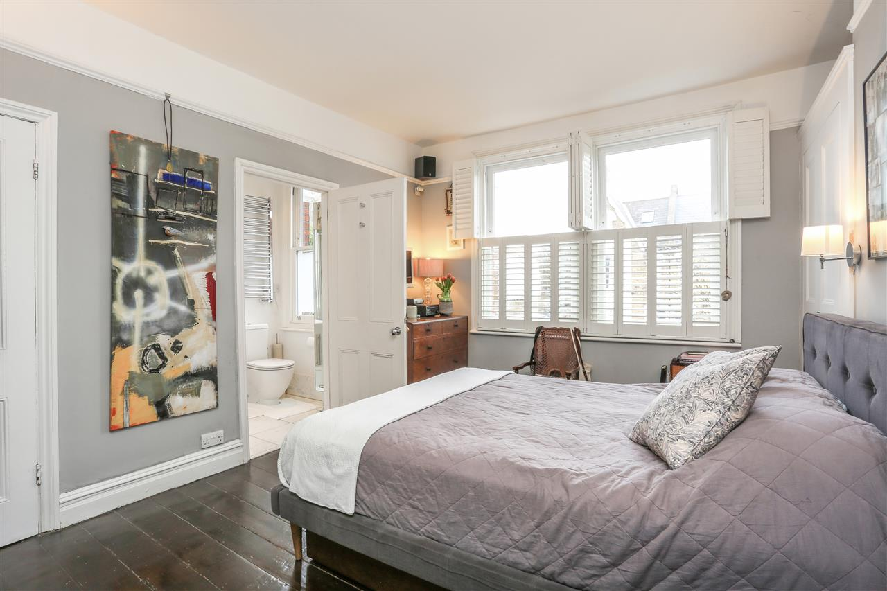 4 bed house for sale in Yerbury Road, London 8