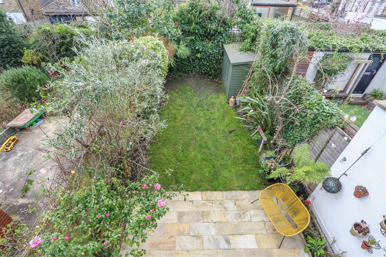 4 bed house for sale in Yerbury Road, London 9