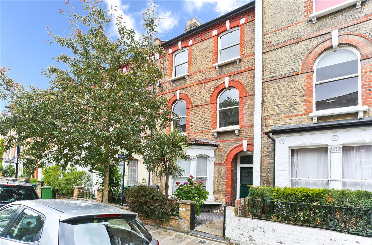 2 bed flat for sale in Oakford Road, London, NW5