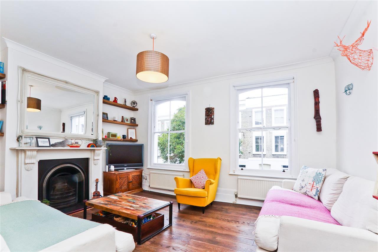 2 bed flat for sale in Cornwallis Road, London, N19