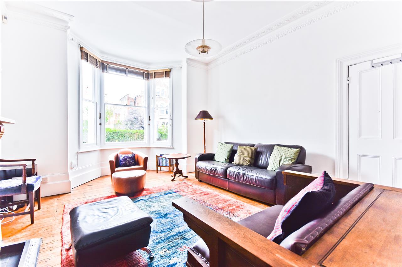 5 bed terraced for sale in Yerbury Road, London 11