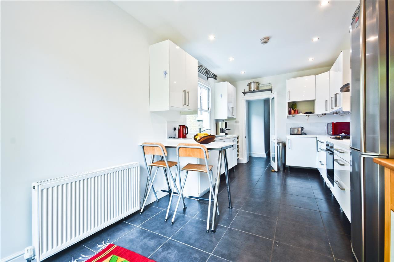 5 bed terraced for sale in Yerbury Road, London 12
