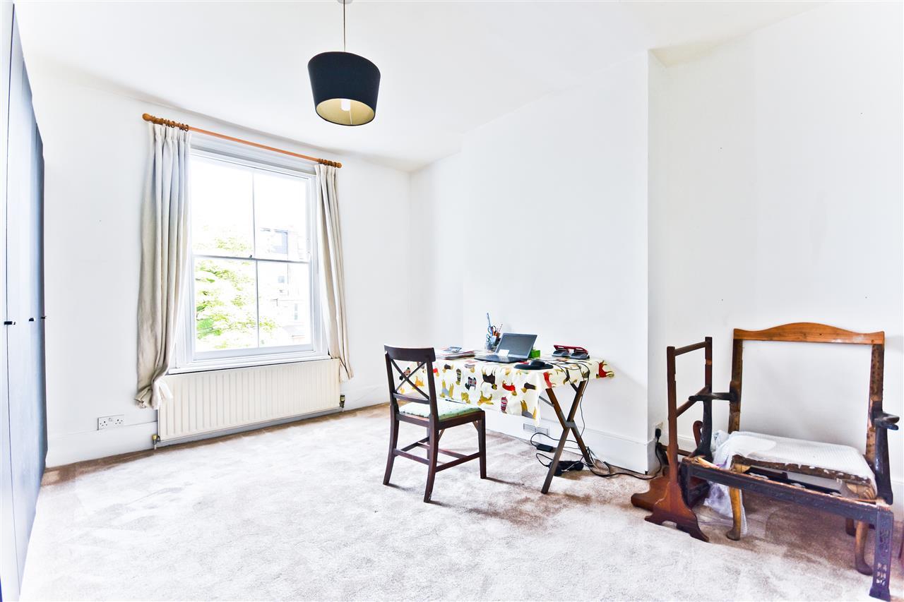 5 bed terraced for sale in Yerbury Road, London 13