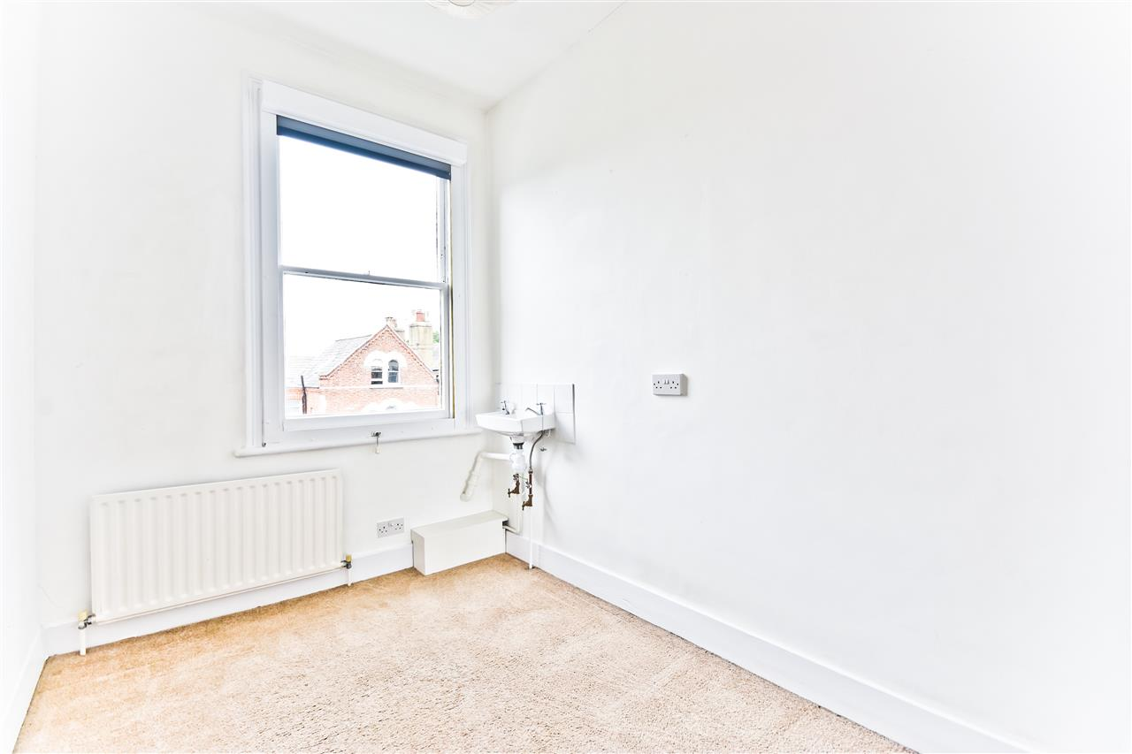 5 bed terraced for sale in Yerbury Road, London 17