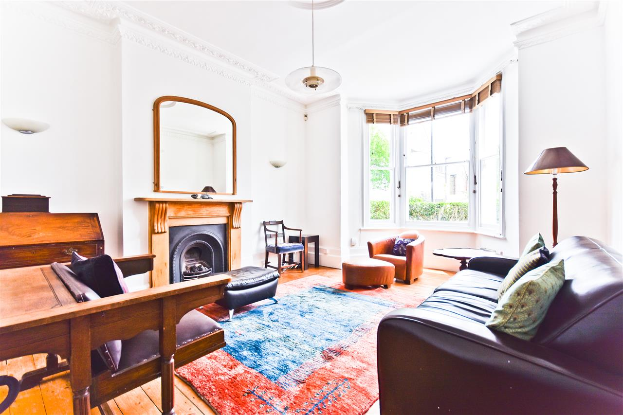 5 bed terraced for sale in Yerbury Road, London 2
