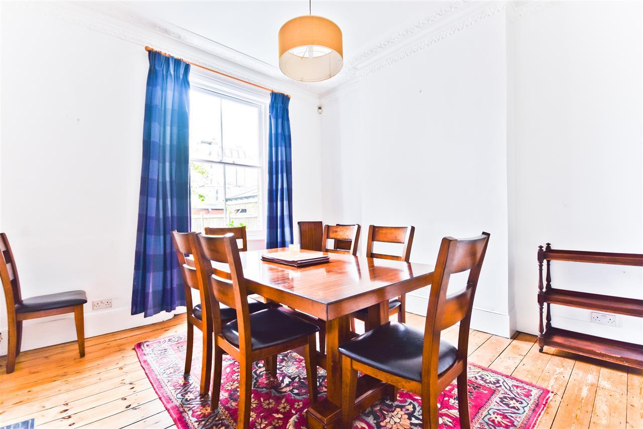 5 bed terraced for sale in Yerbury Road, London 4