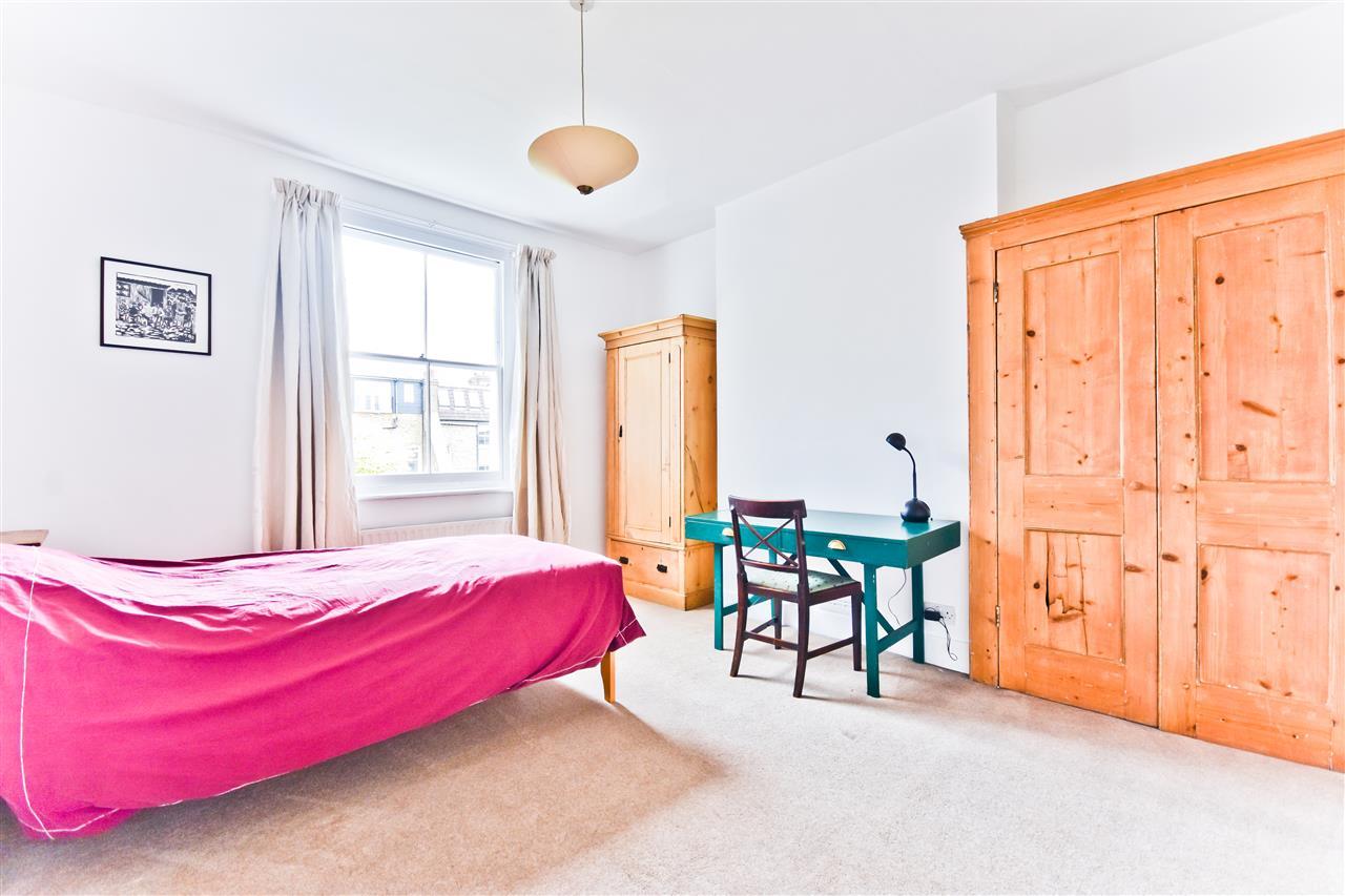 5 bed terraced for sale in Yerbury Road, London 6