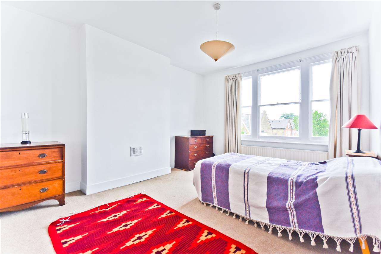 5 bed terraced for sale in Yerbury Road, London 8