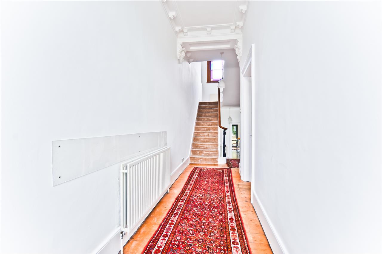 5 bed terraced for sale in Yerbury Road, London 9