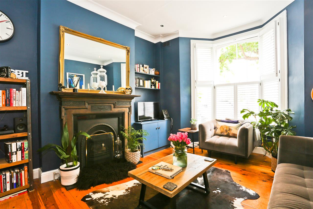 1 bed flat for sale in Crayford Road, London, N7