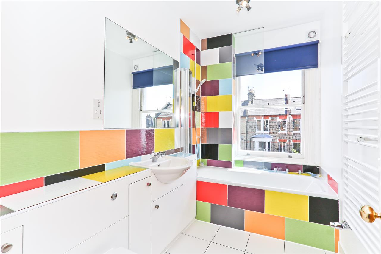 6 bed terraced for sale in Mercers Road, London 10