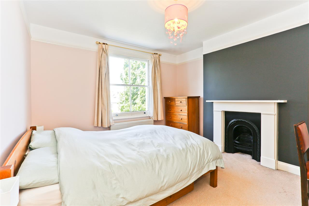6 bed terraced for sale in Mercers Road, London 11
