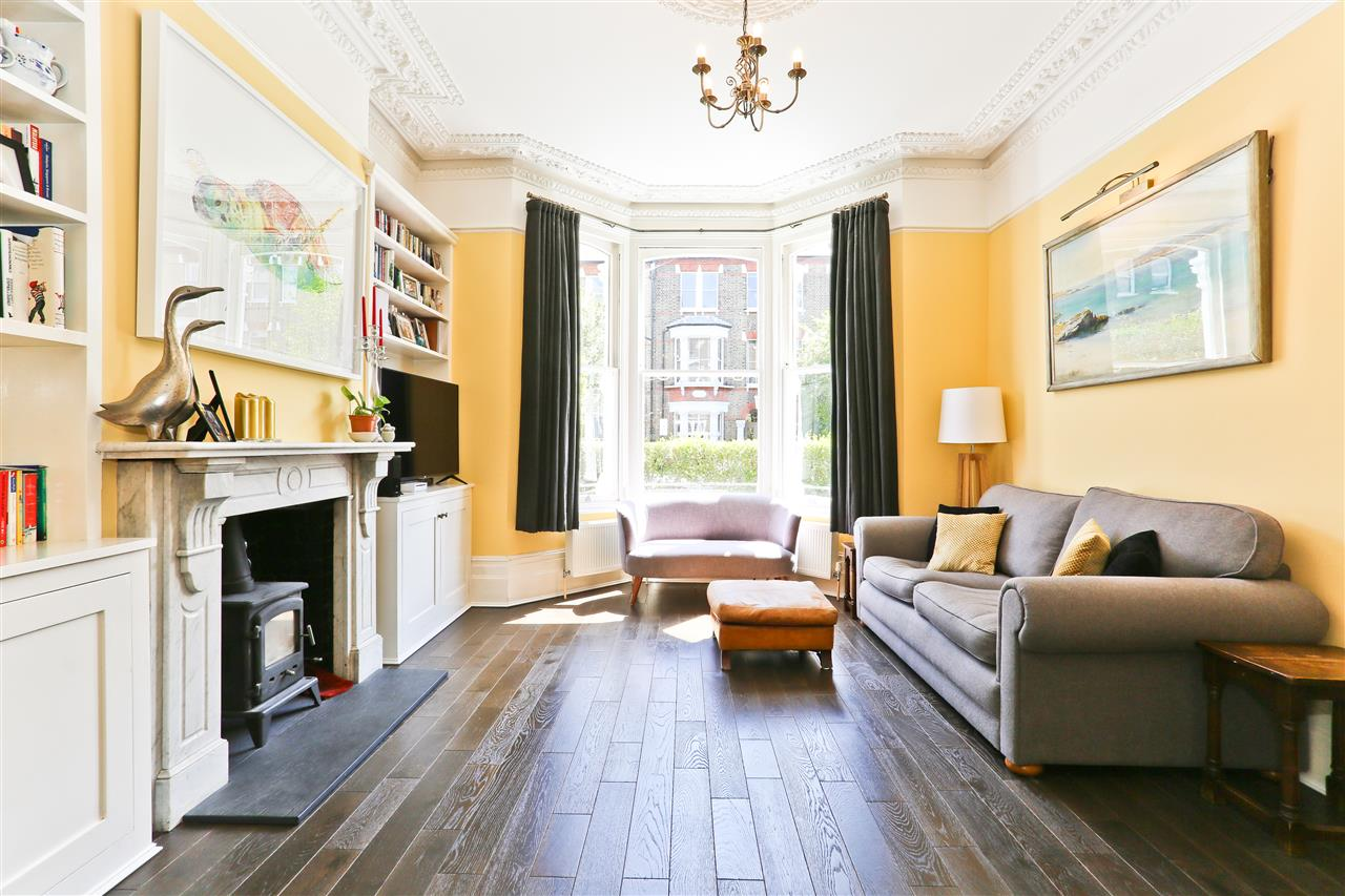 6 bed terraced for sale in Mercers Road, London 2