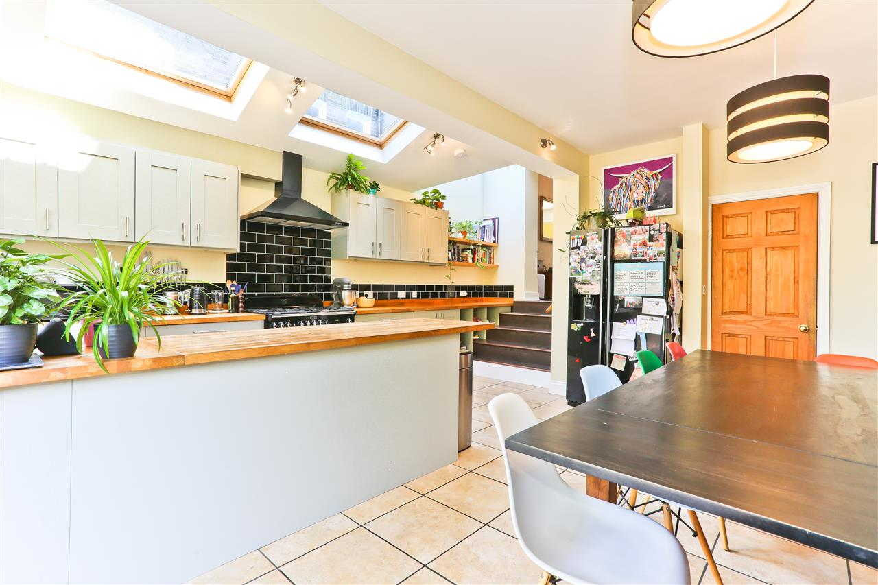 6 bed terraced for sale in Mercers Road, London 3