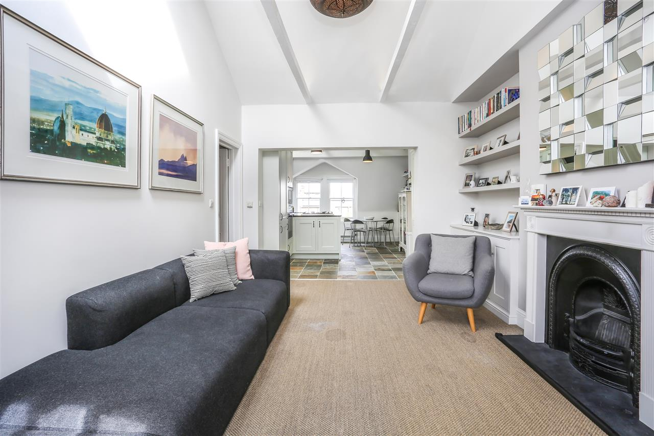 3 bed apartment for sale in Anson Road, London, N7
