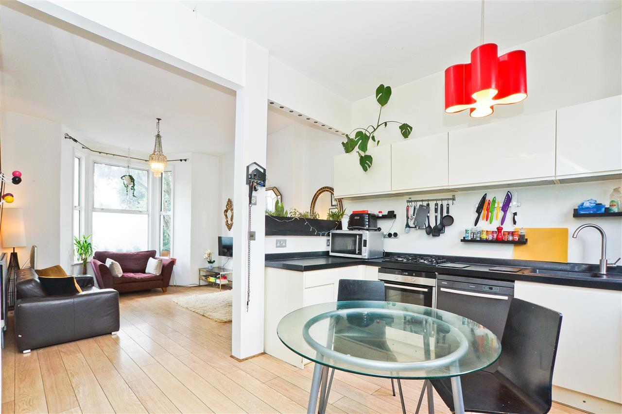 2 bed flat for sale in Stanley Terrace, London, N19