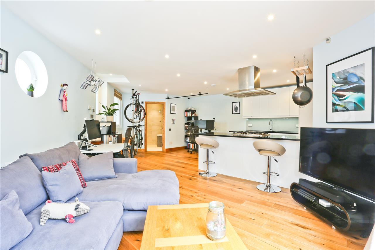 1 bed flat for sale in Tabley Road, London, N7