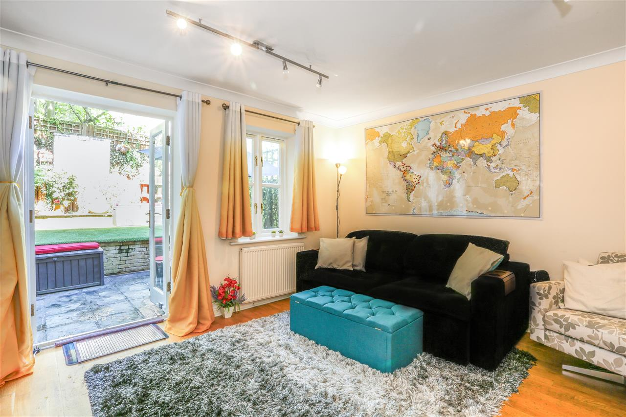 4 bed town-house for sale in Goddard Place, London, N19
