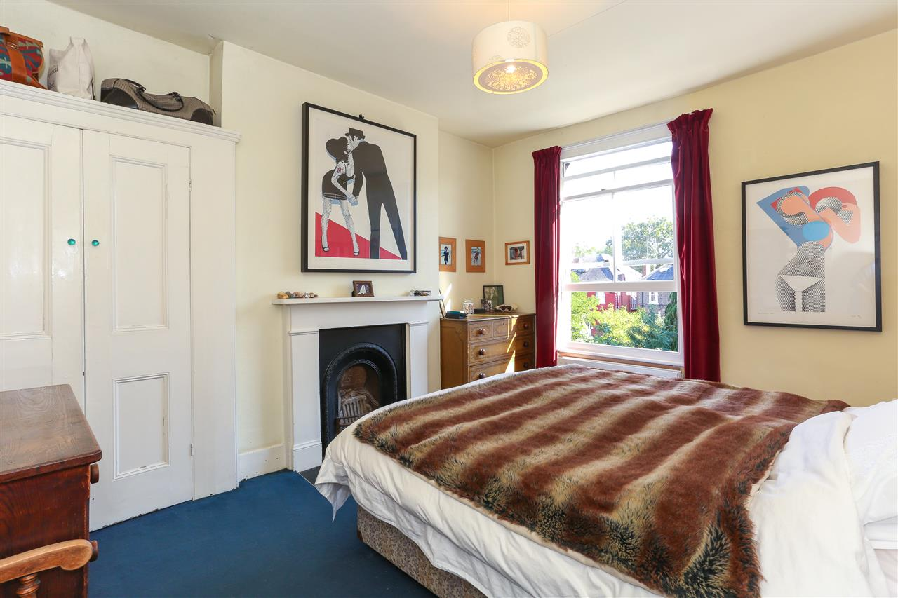 5 bed end-of-terrace for sale in Archibald Road, London 13