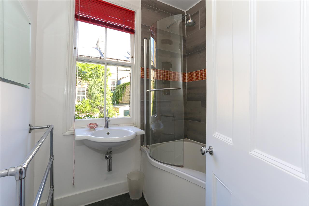 5 bed end-of-terrace for sale in Archibald Road, London 15