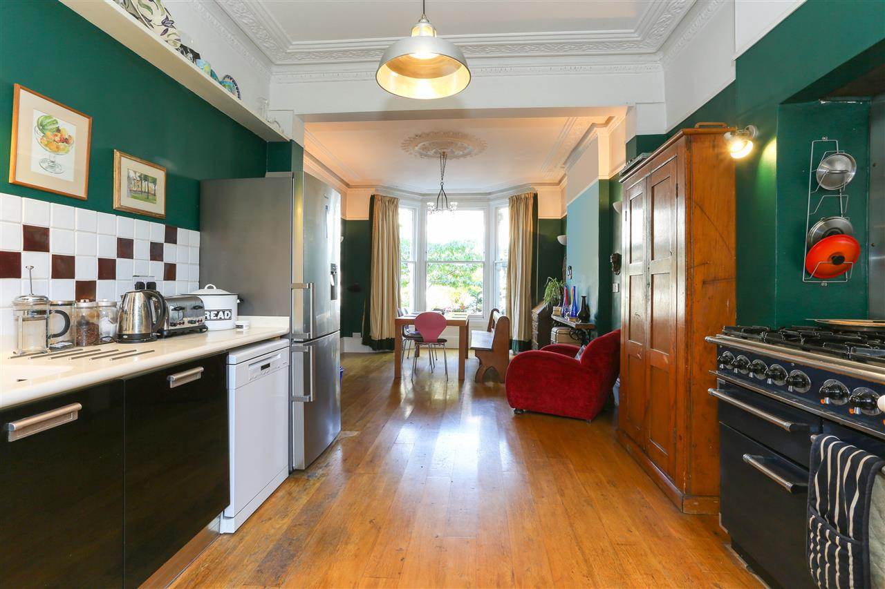 5 bed end-of-terrace for sale in Archibald Road, London 5