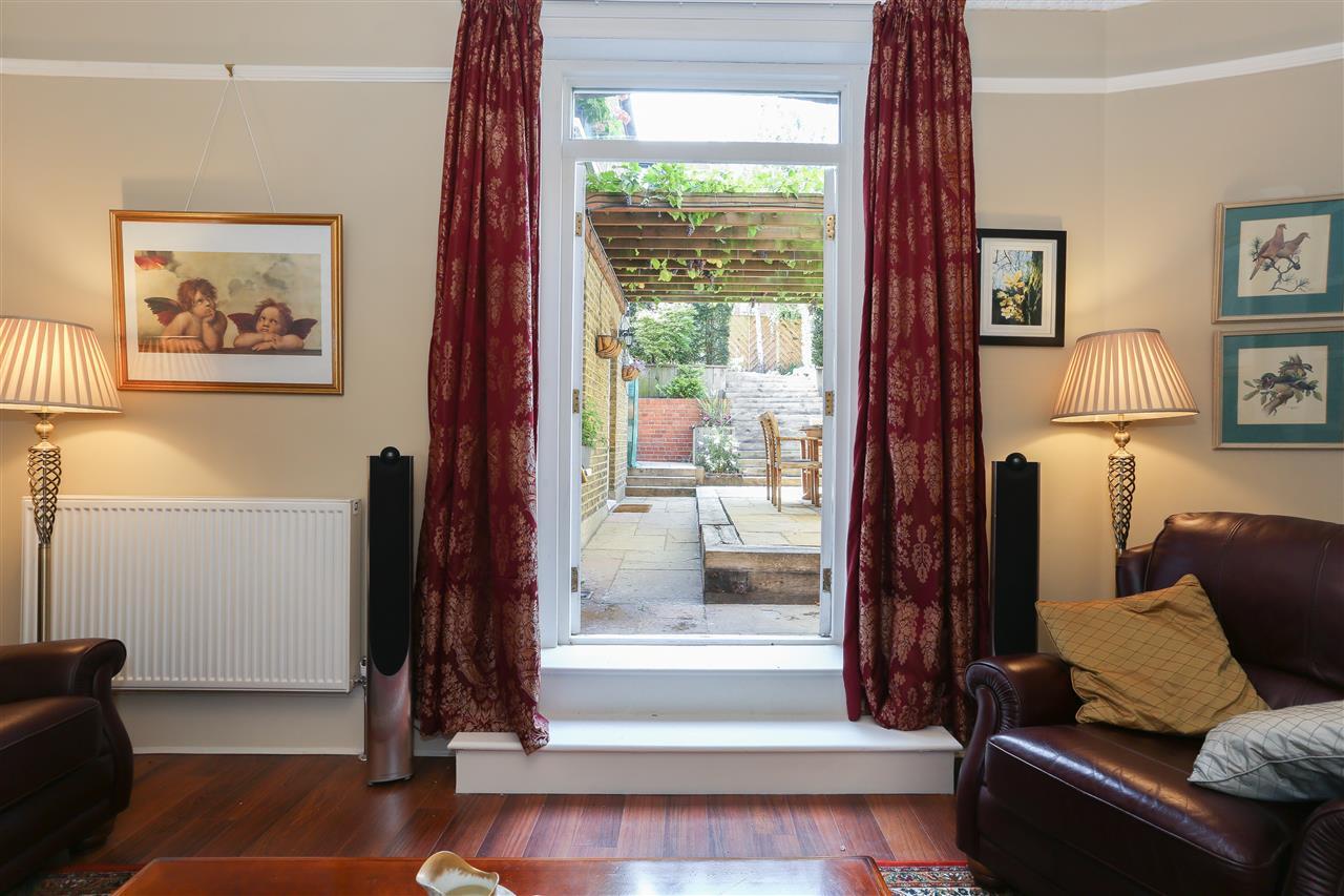 6 bed terraced for sale in Brecknock Road, London 10