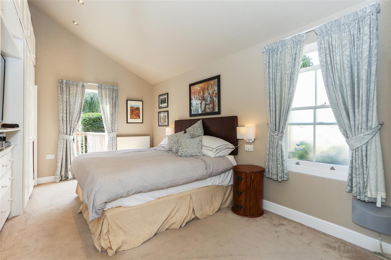 6 bed terraced for sale in Brecknock Road, London 11