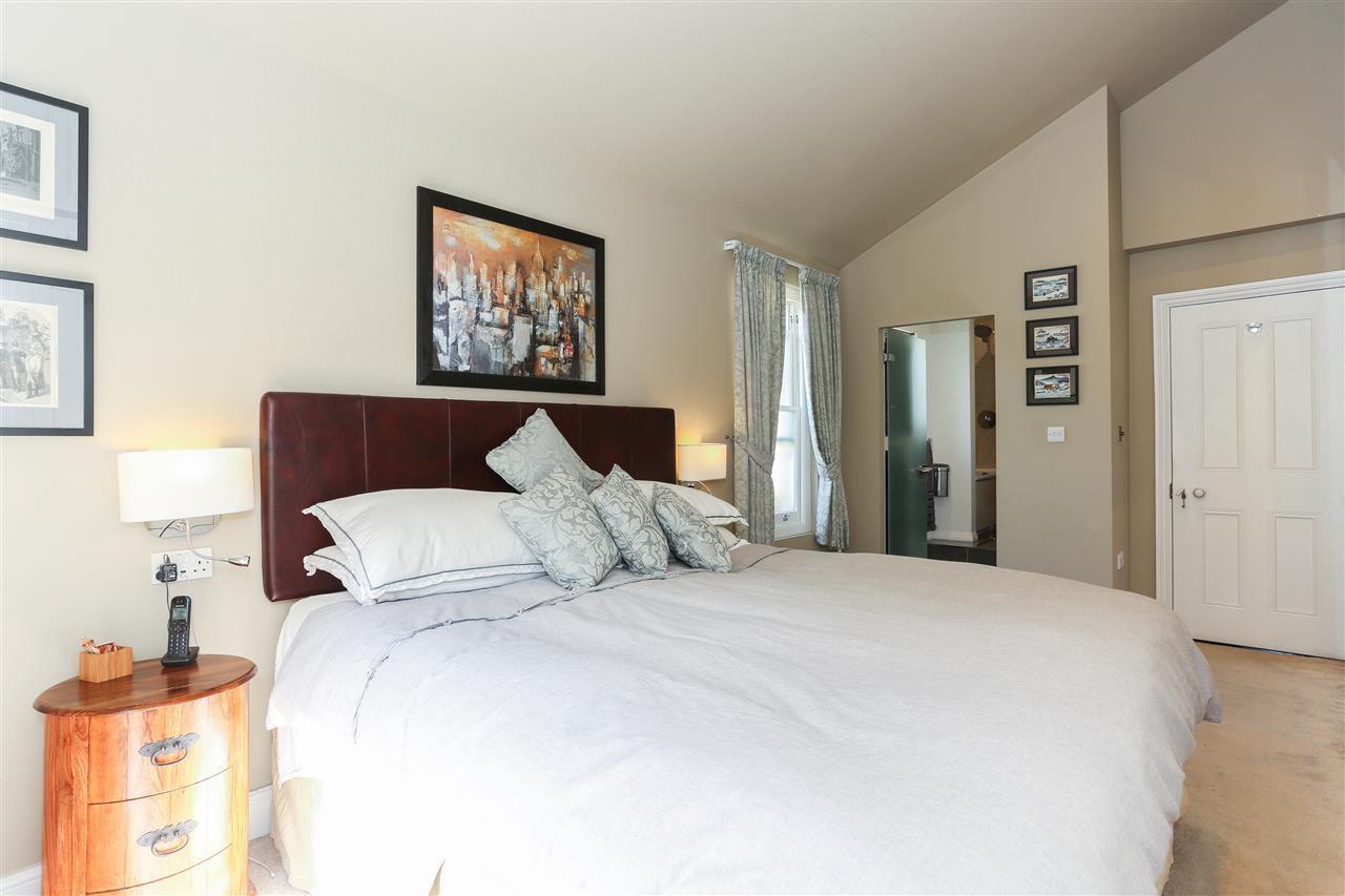 6 bed terraced for sale in Brecknock Road, London 13