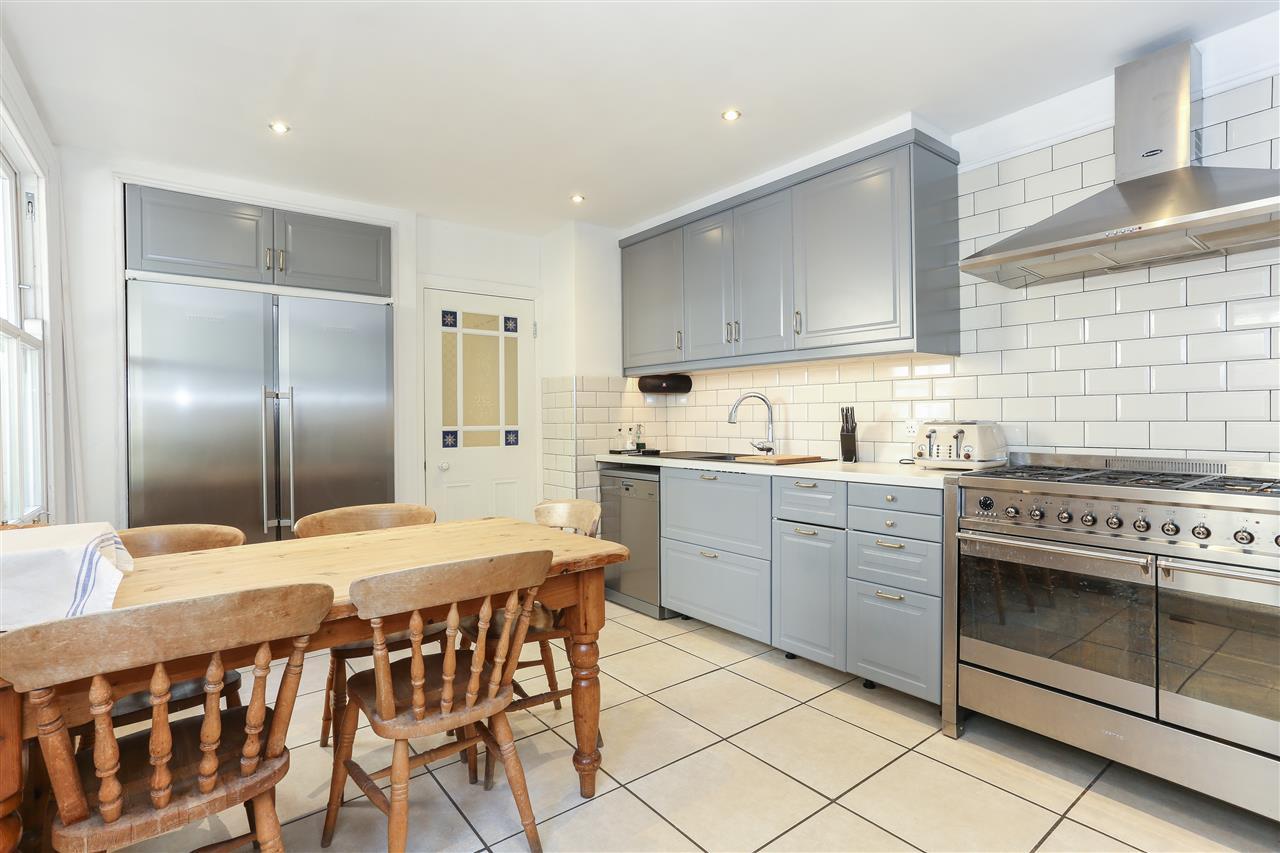 6 bed terraced for sale in Brecknock Road, London 4
