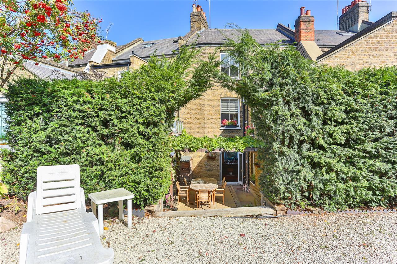 6 bed terraced for sale in Brecknock Road, London 7