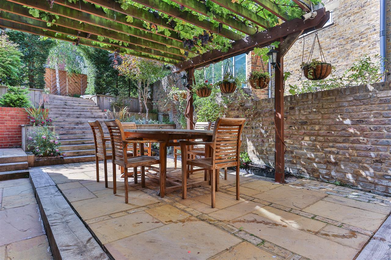 6 bed terraced for sale in Brecknock Road, London 8