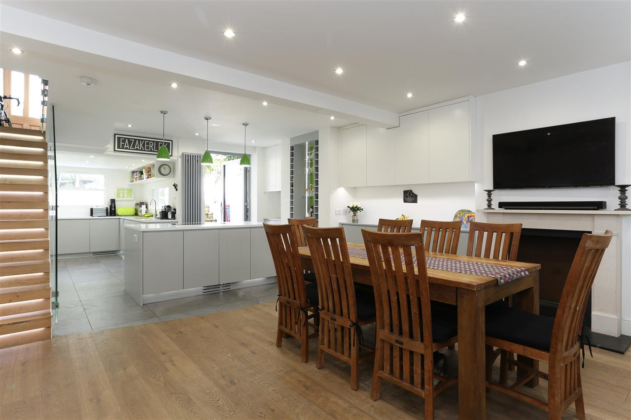 4 bed terraced for sale in Hugo Road, London - Property Image 1