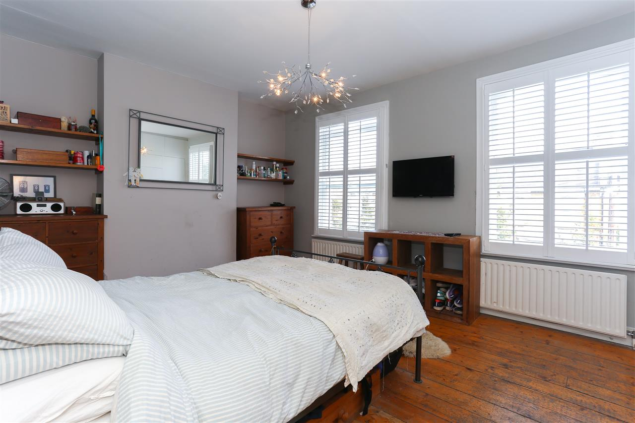 4 bed terraced for sale in Hugo Road, London 12