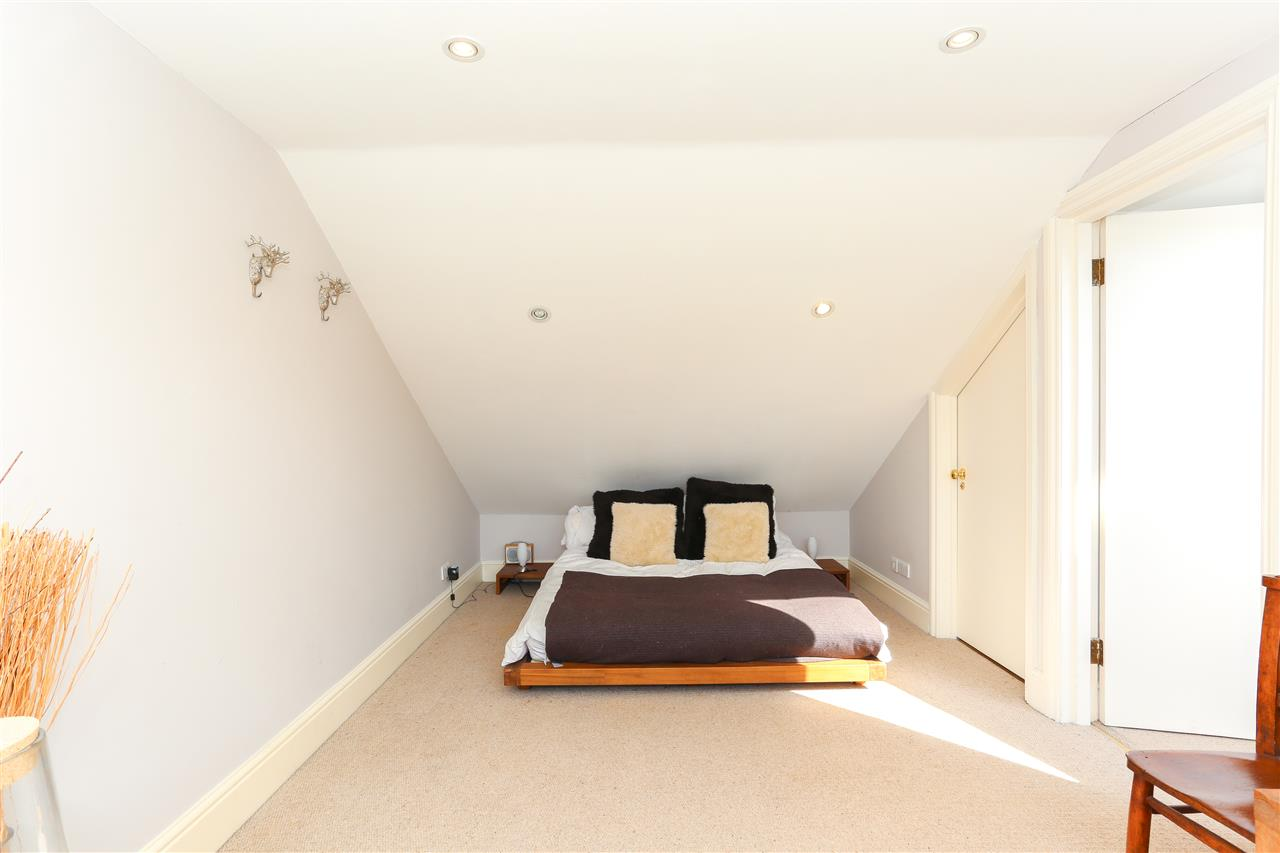 4 bed terraced for sale in Hugo Road, London 14