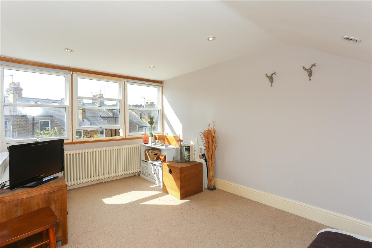 4 bed terraced for sale in Hugo Road, London 15