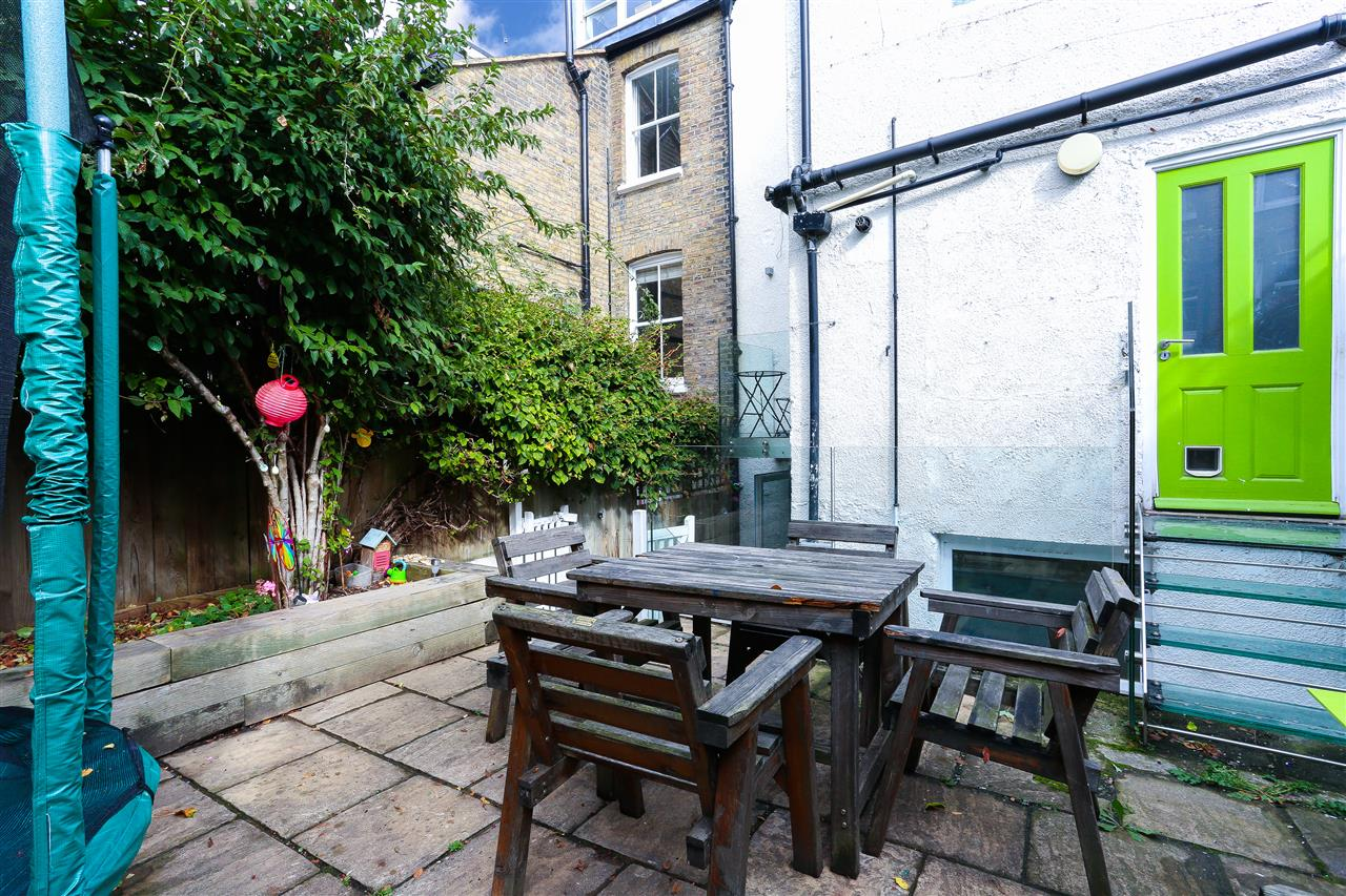 4 bed terraced for sale in Hugo Road, London 18