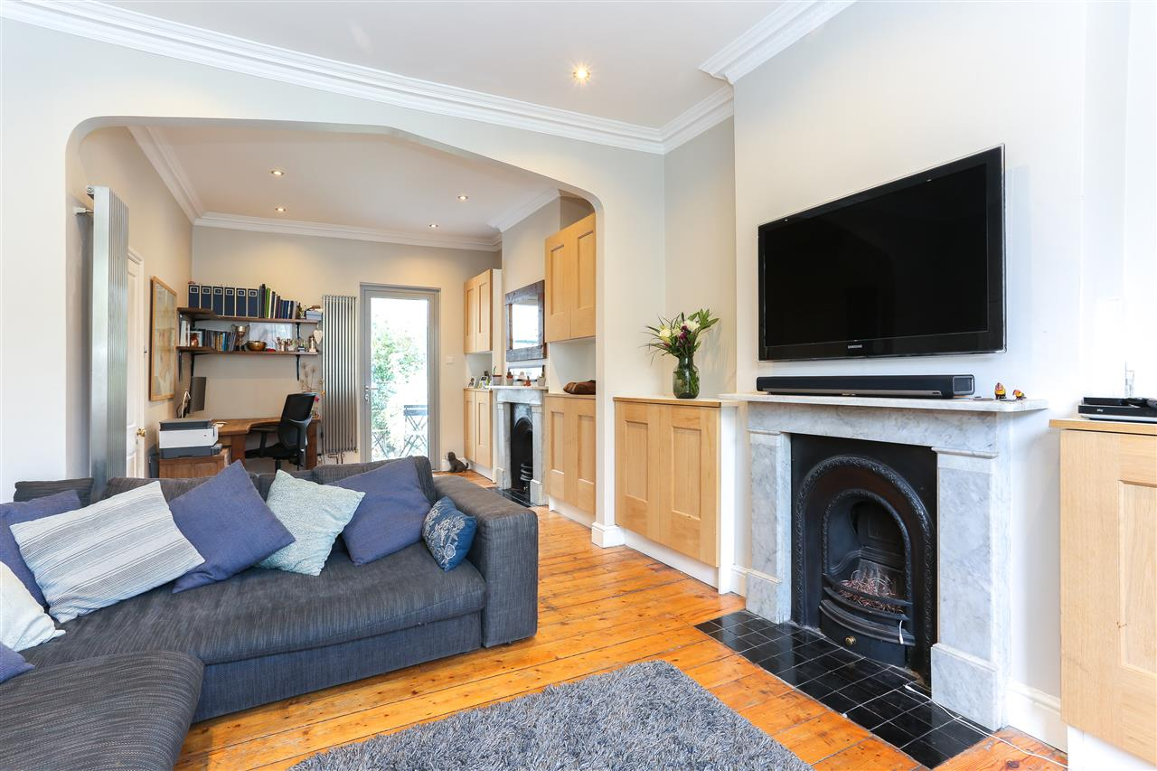 4 bed terraced for sale in Hugo Road, London 2