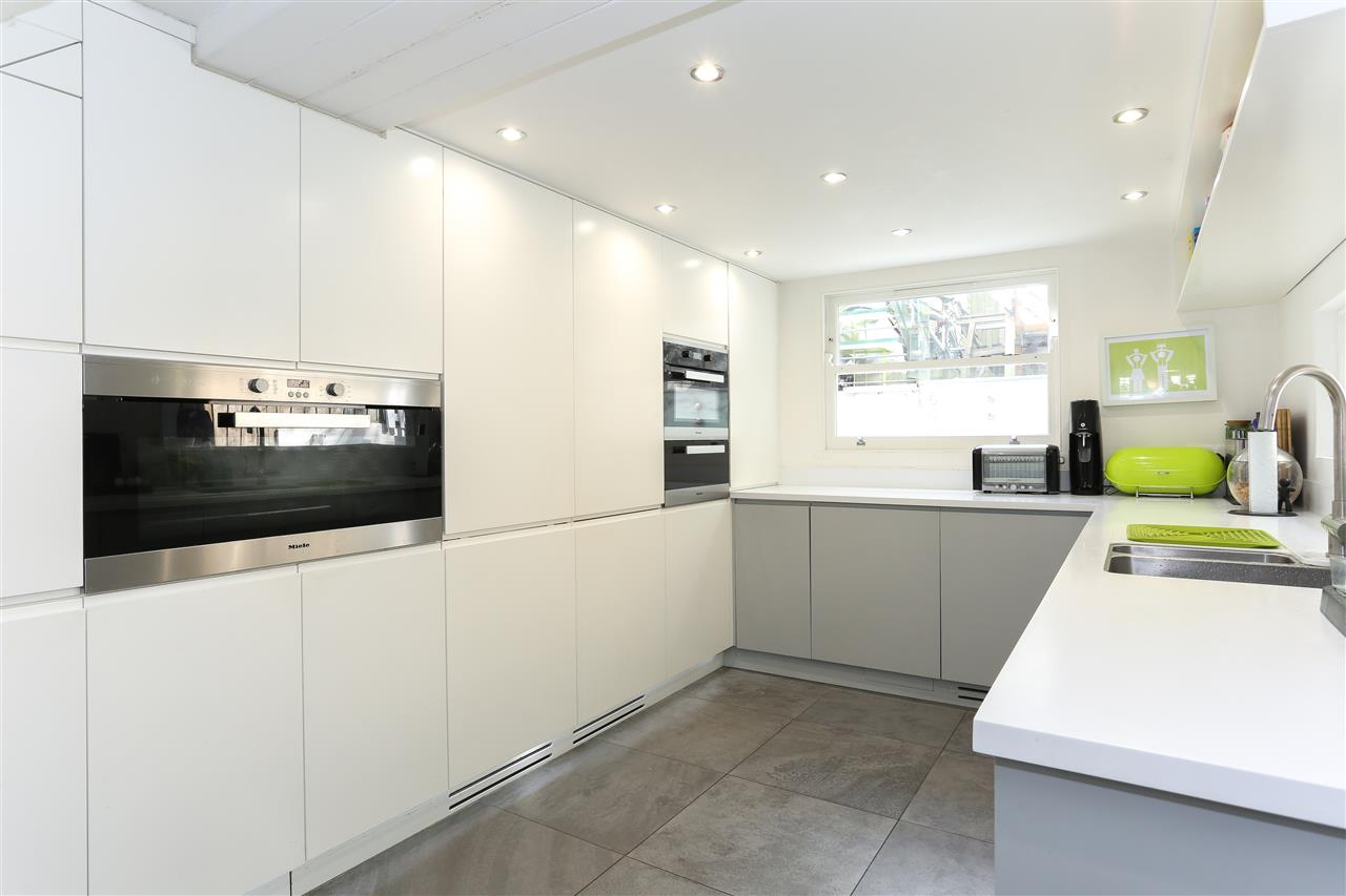 4 bed terraced for sale in Hugo Road, London 6