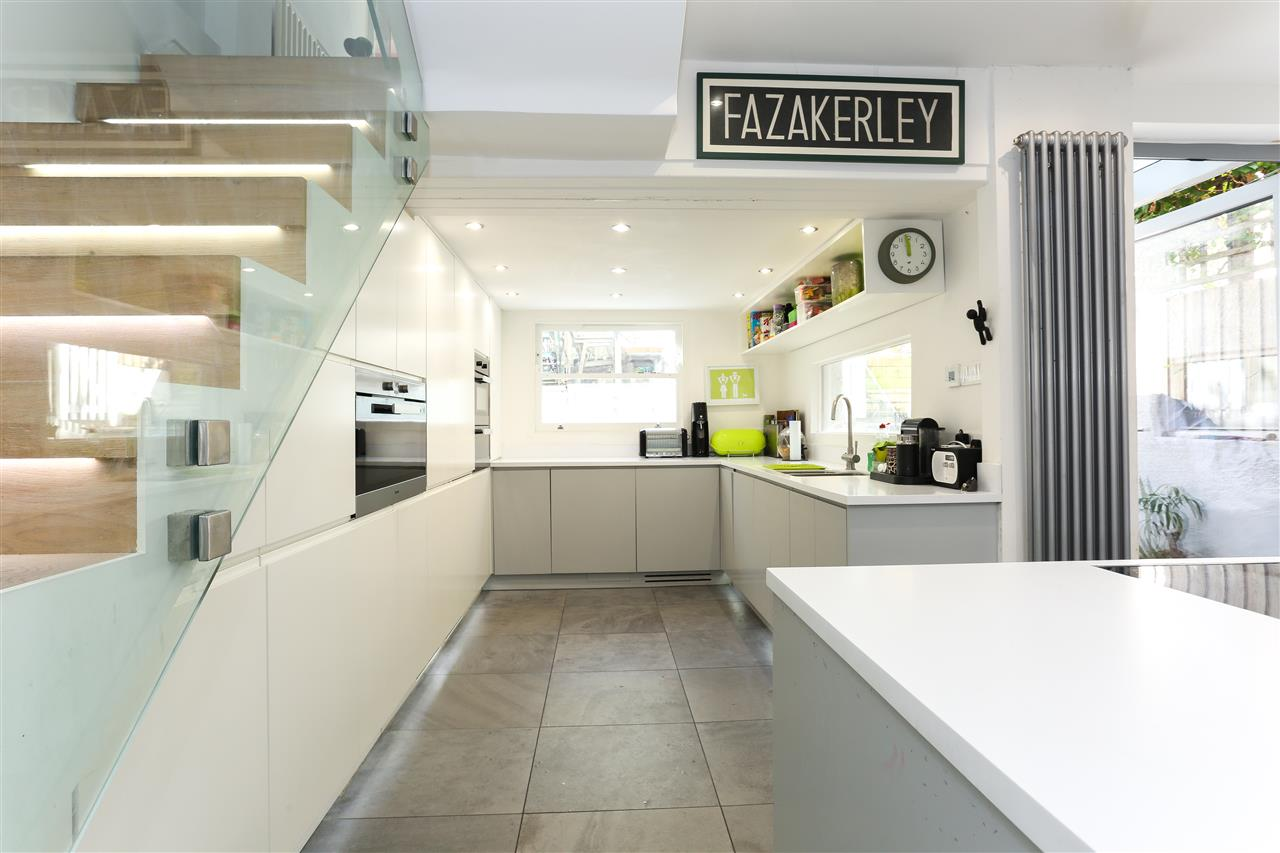 4 bed terraced for sale in Hugo Road, London 8