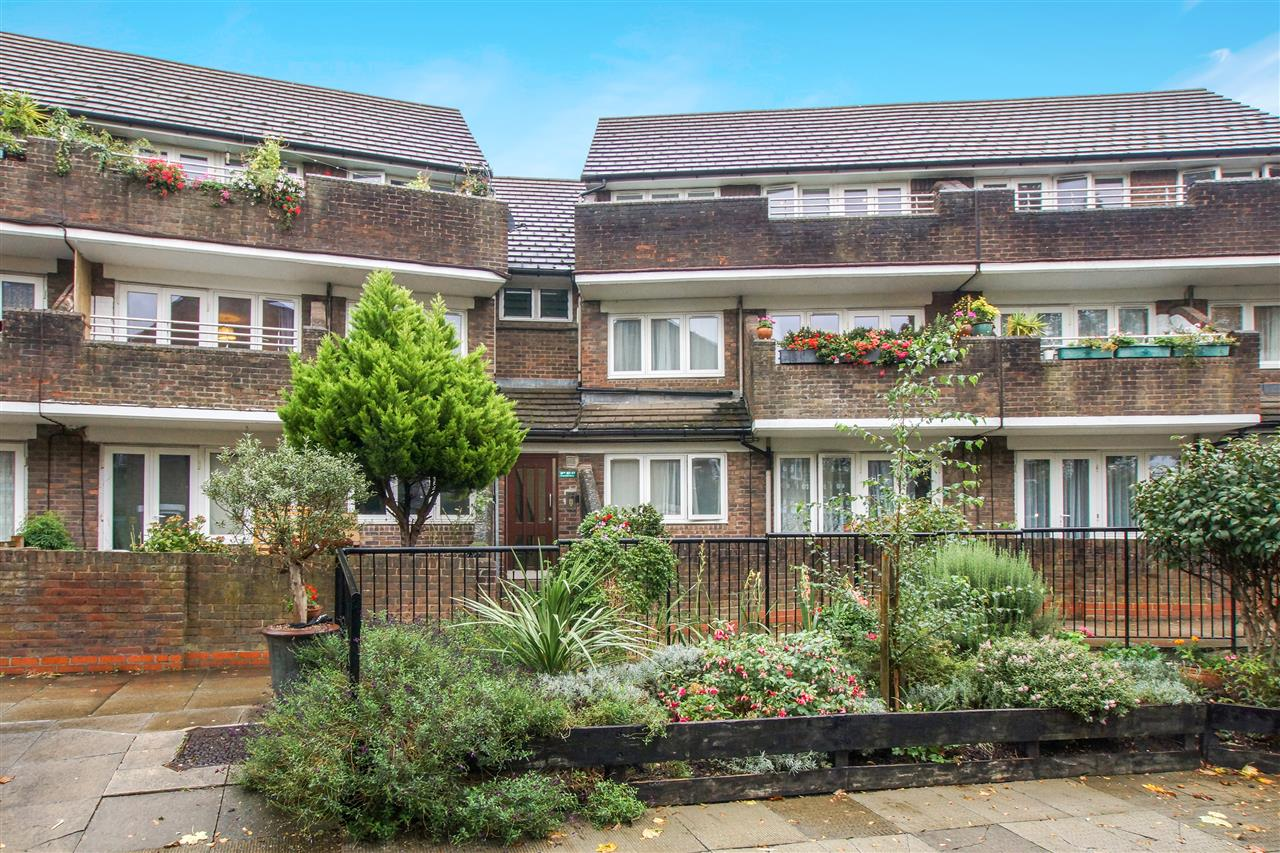 1 bed flat for sale in Cressfield Close, London, NW5
