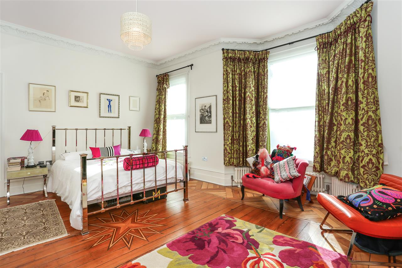 5 bed terraced for sale in St George's Avenue, London 12